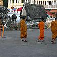 Luang bonzes