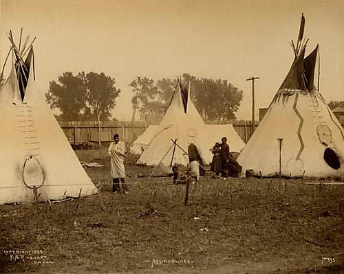 Tribu-assiniboines-dans-une-reserve