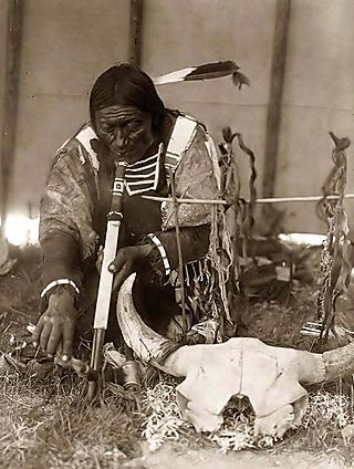 Sioux-Indian-with-Pipe