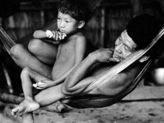 Yanomami-f-and-son-ClaudiaAndujar