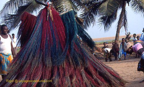 Benin%20vaudou%20Zangbeto%203