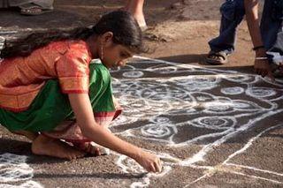 Girl continuing corner of lolam