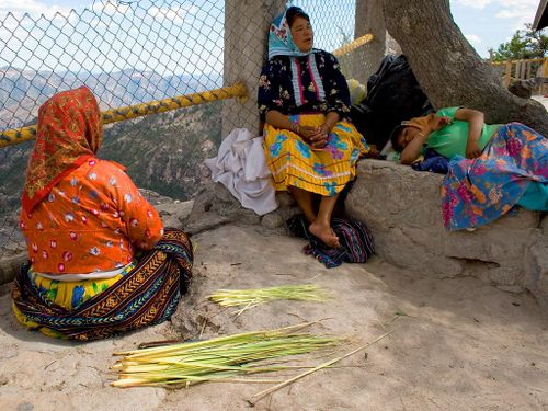 Tarahumara_basket_weavers