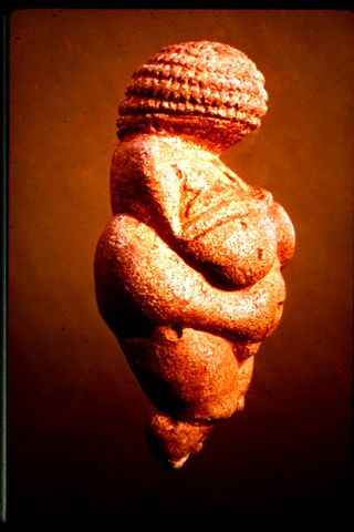 05.Venus de Willendorf
