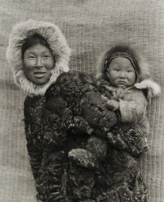 Woman-and-child-Nunivak-Island-Alaska.-1929.-Photo-Edward-S.-Curtis