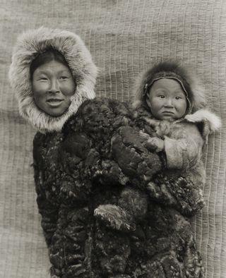 Woman-and-child-Nunivak-Island-Alaska.-1929.-Photo-Edward-S.-Curtis