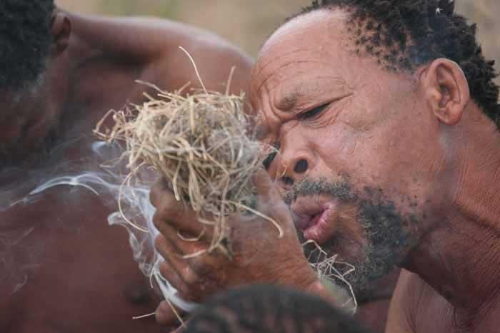Circuit-namibie-bushmen