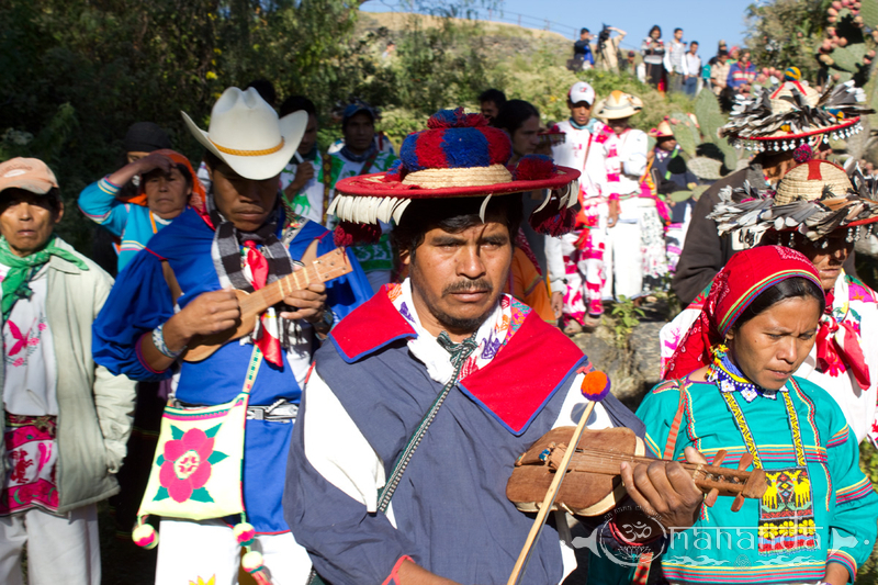 Huichol-wirrikuta-wixarika-demonstration-mexico _13_