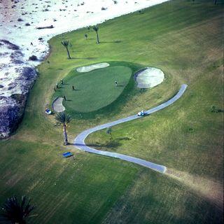Golf-c3a0-palm-springs-c2a9-atelier-robert-doisneau