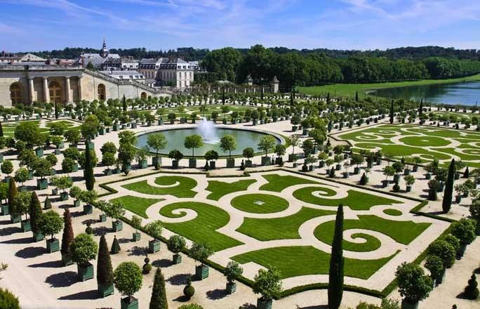 Jardin-a-la-francaise-1-jardins-du-chateau-de-Versailles-112005_L