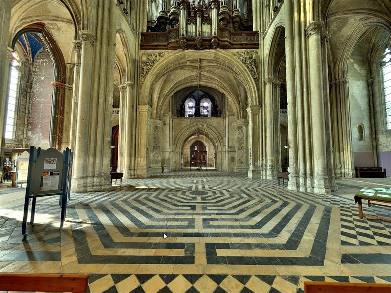 Labyrinthe_St_Quentin1
