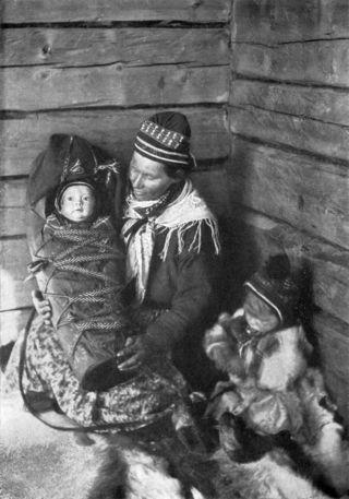Lapland_Mother_NGM-v31-p556