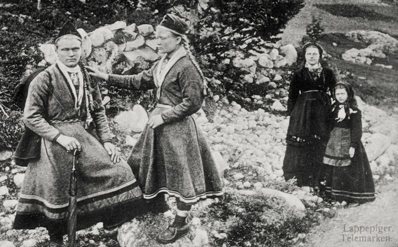 Sami_girls_in_Telemark_Norway_late_1880
