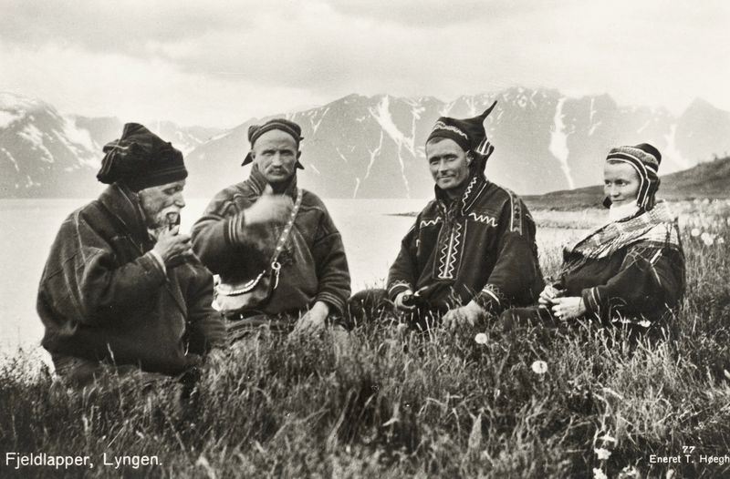 1928_Lyngen_Troms_Norway_group_Mountain_Sami_people_Photo_pcard