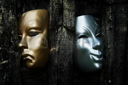 15534862-comedie-et-la-tragedie--masques-theatre-drama