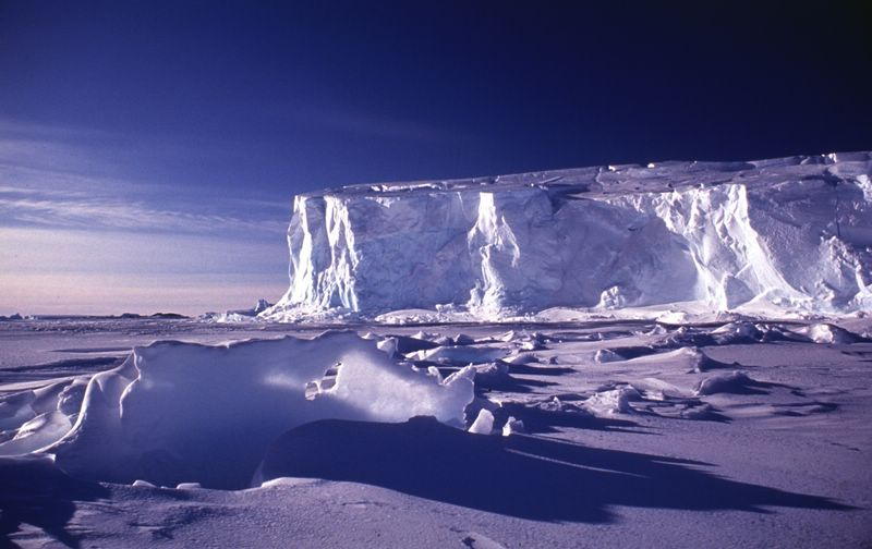 Front_du_glacier_de_l_astrolabe_terre_adelie