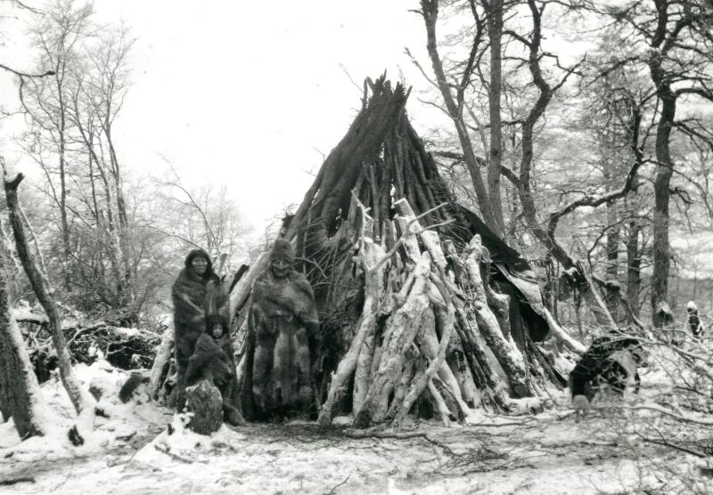 Le chaman Tenenesk et sa famille