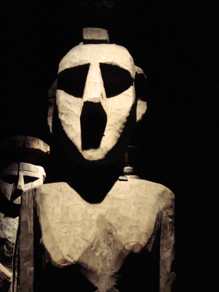 Mapuche_sculptures_in_Museum_of_PreColumbian_Art_Santiago2