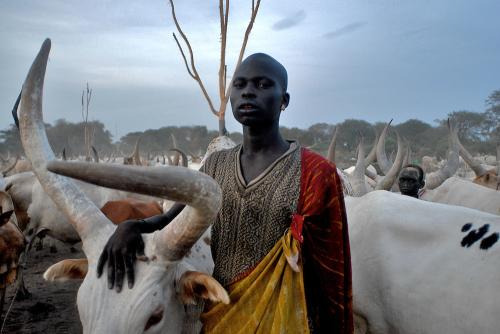 Dinka-cattlecamp-9