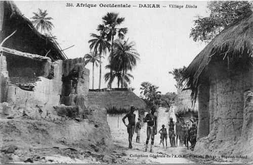 1280px-AOF-Village_diola