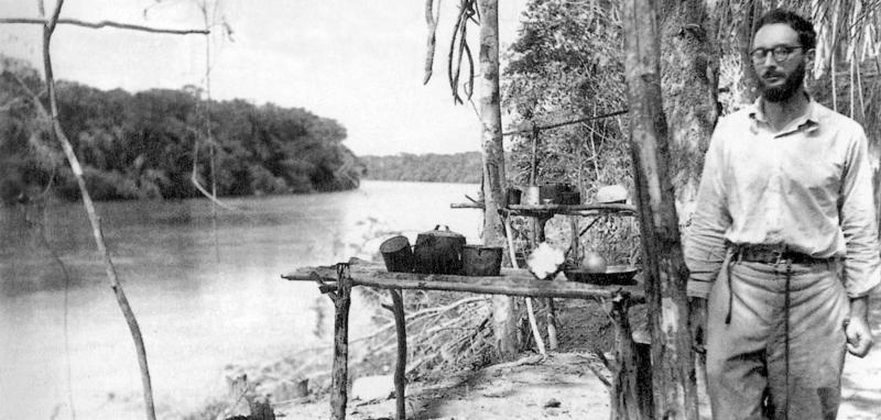 L-anthropologue-Claude-Levi-Strauss-ici-lors-d-un-voyage-au-Bresil-en-1936-fait-l-objet-d-une-capsule-de-la-jeune-marque-masculine-francai