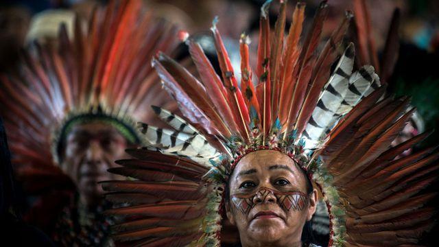 Des-indigenes-d-amazonie-reunis-a-puerto-maldonado-au-perou-le-18-janvier-2018_6005702