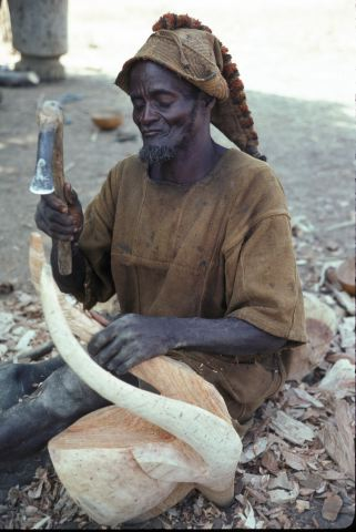 Mossi_3854_carving